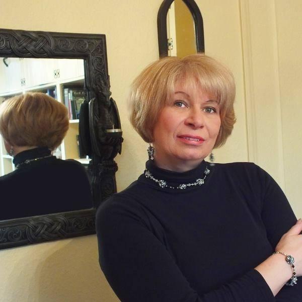 Lois Pallister